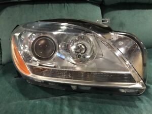 2012 2015 Mercedes Ml350 Ml550 Headlamp Headlight Passenger Right Oem Damaged