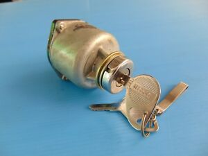Datsun Nissan Diesel Nos Ignition Switch 2 Keys