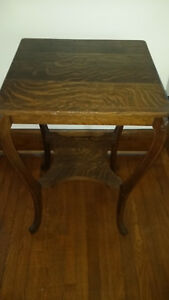 Antique Tiger Oak Square Sofa Table In Excellent Condition