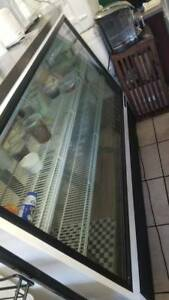 True Brand 6ft Deli Case 72 Show Glass Refrigerator Display Bakery Pastry Meat