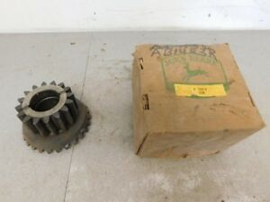 John Deere Unstyled B Tractor Nos Differential Bevel Pinion Gear B1423r 11267