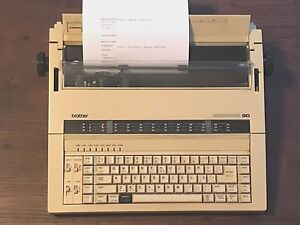 Brother Professional 90 Electronic Typewriter Word Processor Works Great