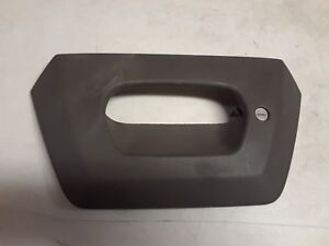 Tailgate Tail Gate Bezel Gray Textured Lock Provision For 02 06 Chevy Avalanche