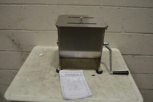 36 1901 w 20 Lb Manual Meat Mixer With Removable Paddles