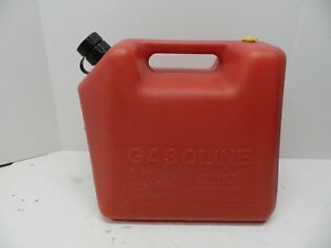 Vintage 5 Gallon Blitz Red Plastic Gas Can jug Model 1830