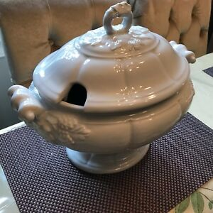 Vintage Red Cliff Ironstone Complete 2 Pc Grape Pattern 5 Quart Oval Tureen