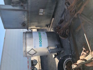 375 Gallon Stainless Steel Chemical Storage Tank Dot Forklift Accessible