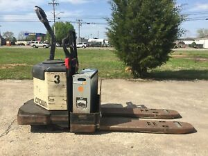 Crown Pe3540 60 3000 Series Electric Pallet Jack
