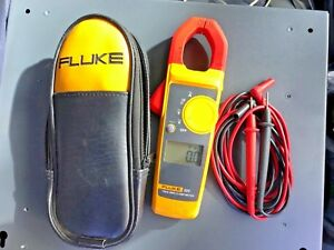 Fluke 323 True Rms Clamp Meter With Test Probes And Case