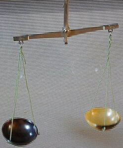Antique Pharmacy Scale With Weights Apothecary Balance 45 Bakelite Cups