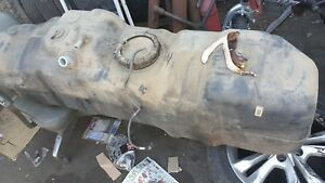 00 04 Ford F250 7 3l 4x4 Used 137 Wb Diesel Fuel Tank With Unit