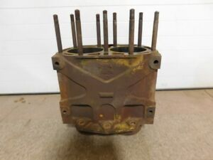 John Deere Unstyled G Tractor Cylinder Block F48r 12005