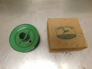 John Deere M Tractor Nos Fan Drive Pulley Am630t 12038