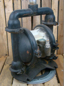 Wilden 1 1 2 Npt Steel Diaphragm Pump With Ss Tri clamp Fittings