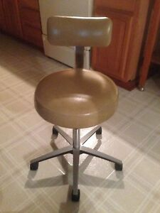 Dentist doctor Adjustable Height Chair