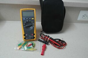 Fluke 177 True rma Multimeter With Backlight