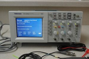 Tektronix Tds 2002 Color Digital Oscilloscope 2 channel 60 mhz 1 gs s