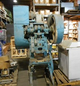 Open Back Inclinable Punch Press 60 Ton Free Loading And Palatalizing