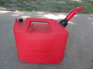 Essence 5 Gallon Gas Can vented wedco