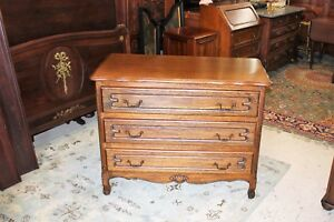 French Solid Oak Wood Antique 3 Drawer Chest Small Bedroom Furniture Dresser