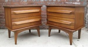 Pair Of Mid Century Modern Sculpted Walnut Nightstands Bedside Tables