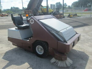 2007 Power Boss Armadillo Sw9xv Ride On Warehouse parking Lot Sweeper Vacuum