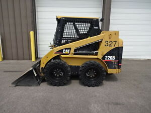 2005 Caterpillar Skid Steer With New Solid Pneumatic Tires