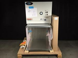 Nuaire Nu 201 224 Large Table Top Horizontal Airflow Workstation