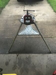Ridgid No 40a Tri stand With Pipe Vise good Used Condition Has Nick In Bender