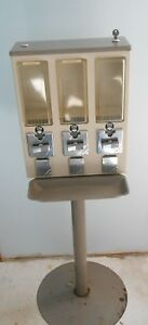 Triple Head Candy Gumball Machine With Key 25 Cent Vending Machine
