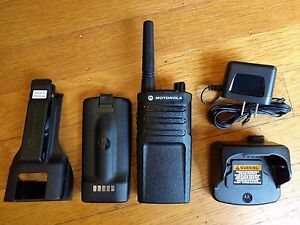 Motorola Rmu2040 Uhf Two way Radio 2 Watts 4 Channels