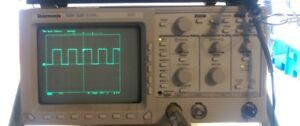 Tektronix Tds 320 Digital Oscilloscope