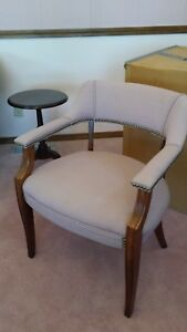 Paoli Furniture Company Set Of 4 Pink Chairs Office Waiting Room 23 X 30 X 19