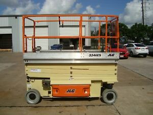 Jlg Scissor Lift 3246es Year 2012 32 Feet H X 48 Inches W Electric 32