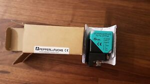 New Pepperl fuchs Ultrasonic Sensor 277764 Uc2000 l2 e5 v15 Uc2000l2e5v15