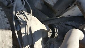 05 Gmc Sierra Silverado 2500 Duramax 6 6l Rear End Differential Complete 3 73