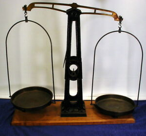 Antique 5 Kilo Cast Iron Wood And Brass Balancing Scale