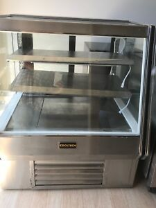 Pastry Case Refrigerated