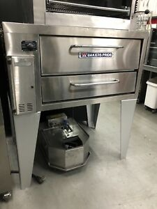 Baker s Pride Superdeck Series Stubby shallow 33 Depth Gas Pizza Ovens 151