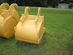 John Deere Excavator Quick Attach Digging Bucket To Fit 240 270d New