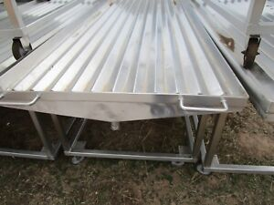 Wash Tray Table Corrugated On Rollers Stainless Steel