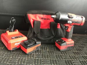 Snap on Ct8850 1 2 18v Impact Wrench With 2 Batteries Charger And Bag