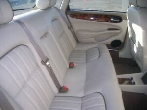 01 Jaguar Xj8 Rear Seat 3367
