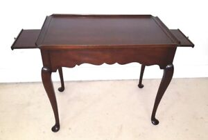 Statton Tea Table Queen Anne Mahogany Oldtowne Finish