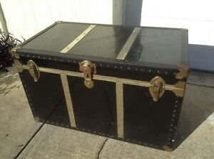 Large Shabby Vintage Antique Flat Top Steamer Trunk Table Storage 36x22x20
