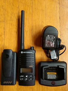 Motorola Rdm2070d Walmart Vhf Two way Radio 2 Watts 7 Channels