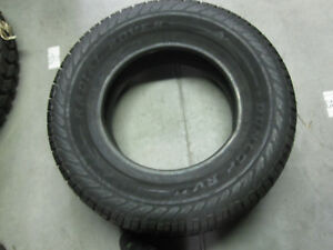 Dunlop Radial Rover Rvxt Lt275 70r17 114 110r New Old Stock Tire Dot 0905 4603