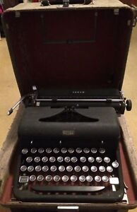 Royal Arrow Vintage Manual Typewriter With Case Portable Nice