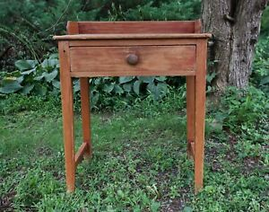 Antique American Country Wash Stand
