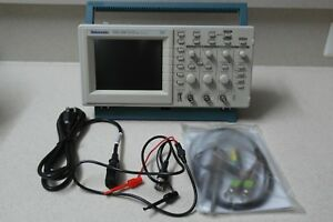 Tektronix Tds220 100mhz 2ch Digital Real Time Oscilloscope